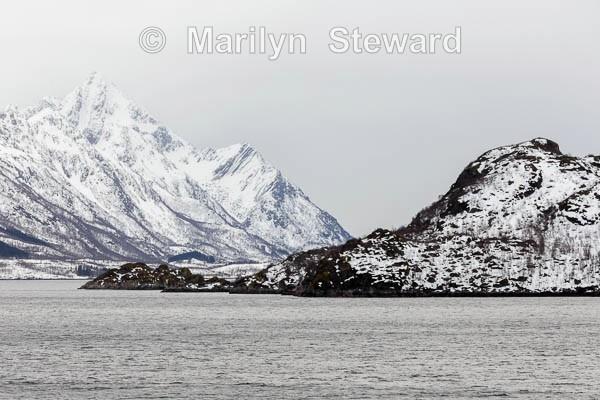 Black and white rocks - Norway Coast