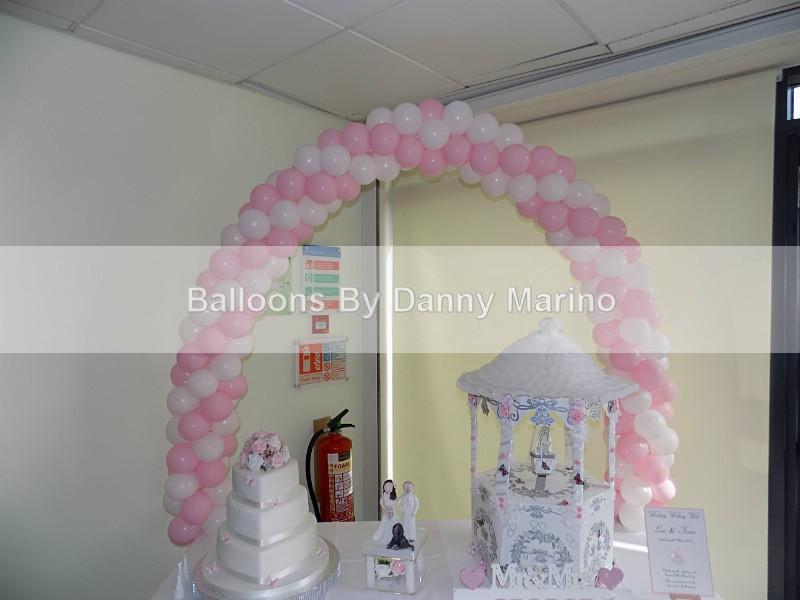 Wedding cake arch - Wedding Balloon Photos
