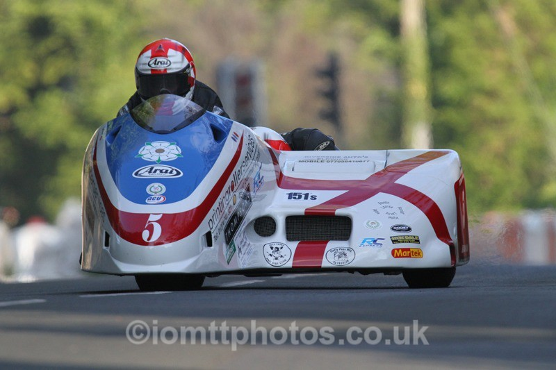 IMG_5441 - Thursday Practice - TT 2013 Side Car
