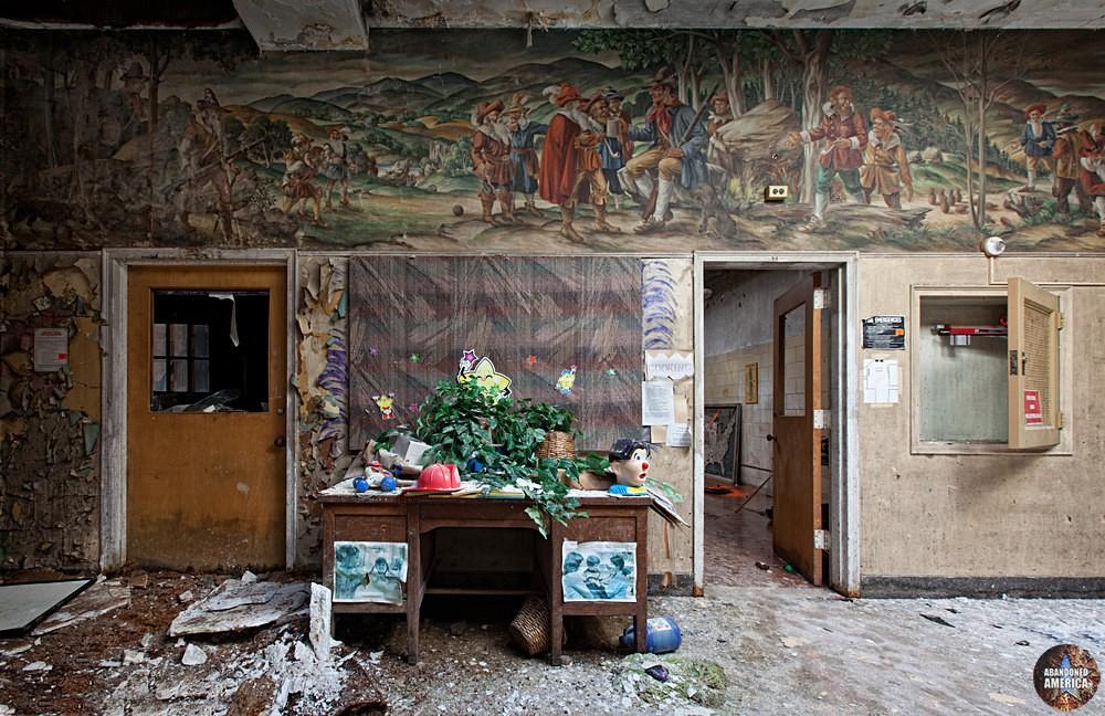 Rockland State Hospital (Orangeburg, NY) | Cluttered Desk - Rockland State Hospital