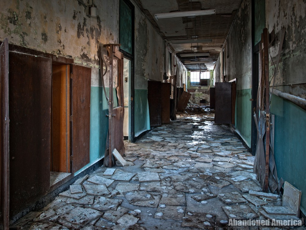 Undercliff Sanatorium (Meriden, CT)   Hallway of Fallen Tiles - Undercliff Sanatorium