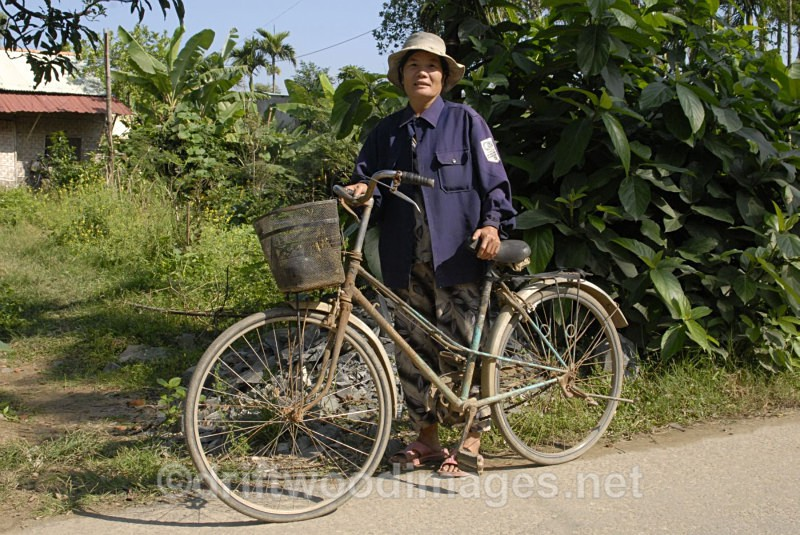 Lady with bicycle Vietnam - South East Asia