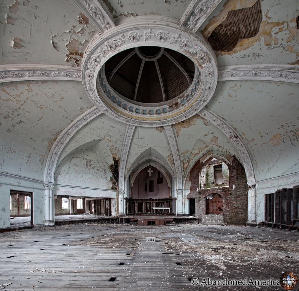 Abandoned Church   Matthew Christopher's Abandoned America