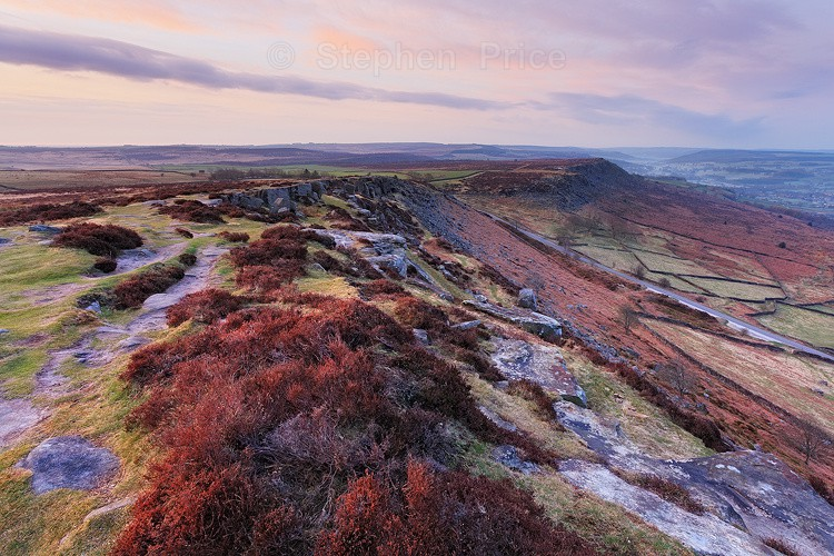 Curbar Edge Derbyshire | Great Location Peak District