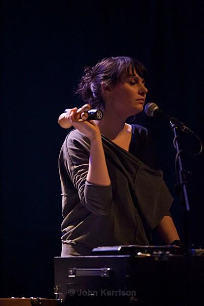 Ruth Dekker of Rue Royale - Concert
