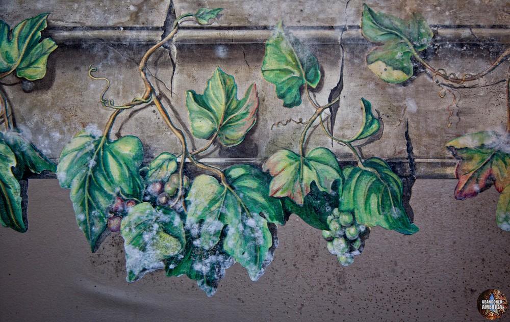 La Bella Trattoria (Bellefonte, PA)   Moldy Leaf Decoration - The Garman Theater and Hotel Do De