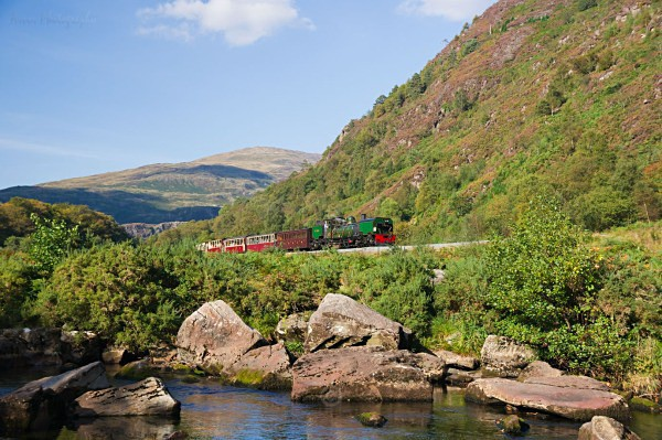 Beyer Garratt No.143 heads south from Beddgelert - The Lure of Steam