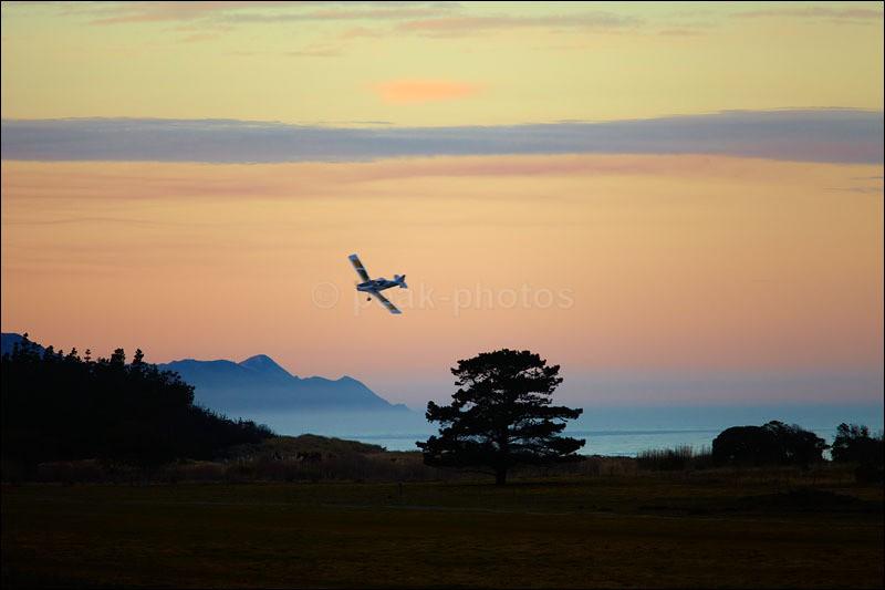 East Coast Landing - Photographs of New Zealand