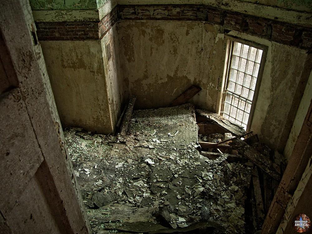 Room collapse, Taunton State Hospital