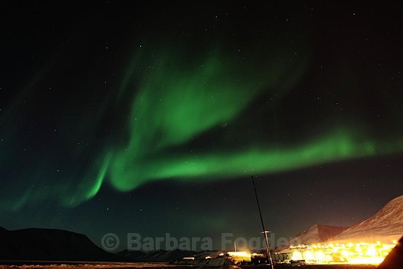 Northern light over Longyearbyen 5128 - Polar night