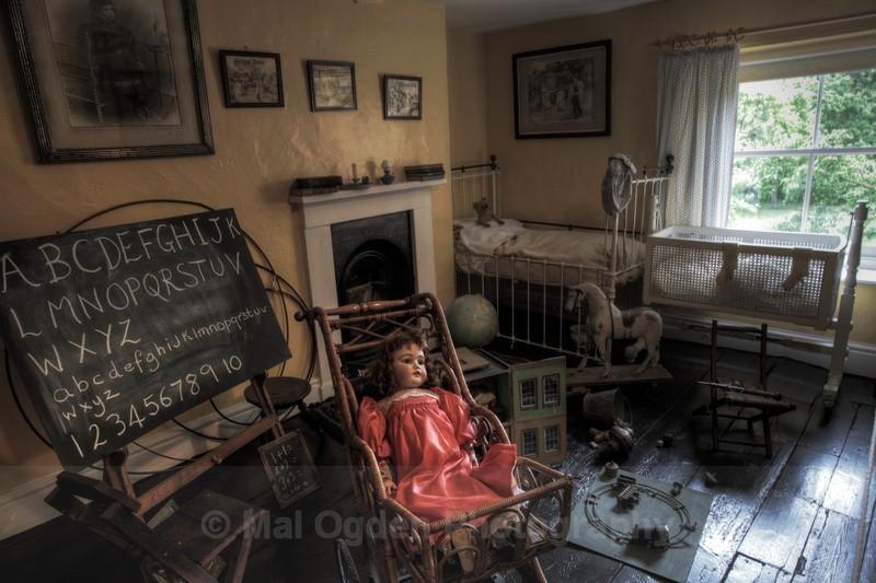 Victorian Nursery - Interiors (HDR)