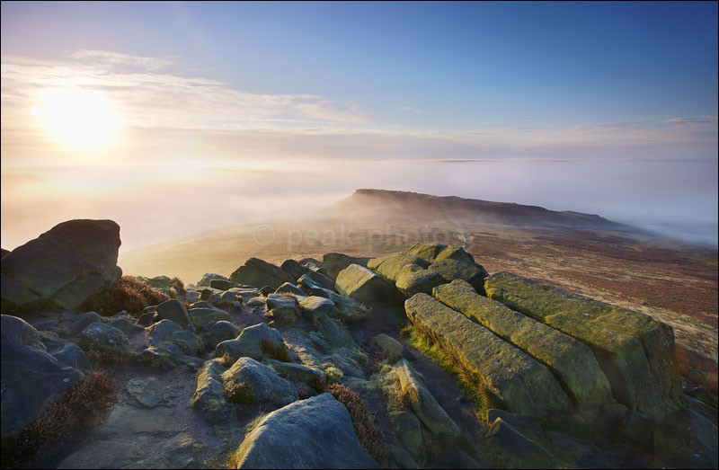 Higger Tor over Misty Carl Wark - Peak District | Dark Peak