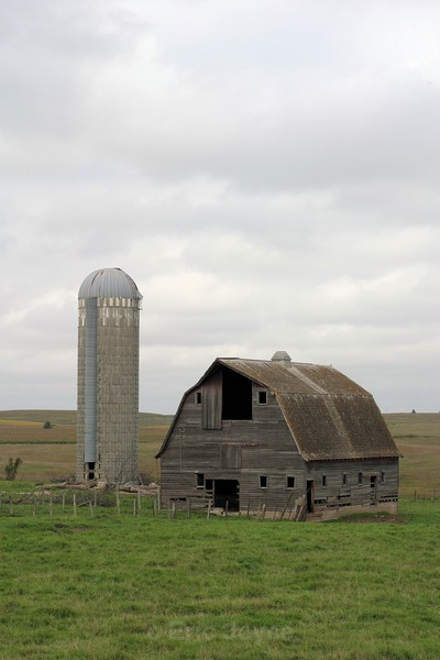 Lincoln County Barn - Barns & Remnants