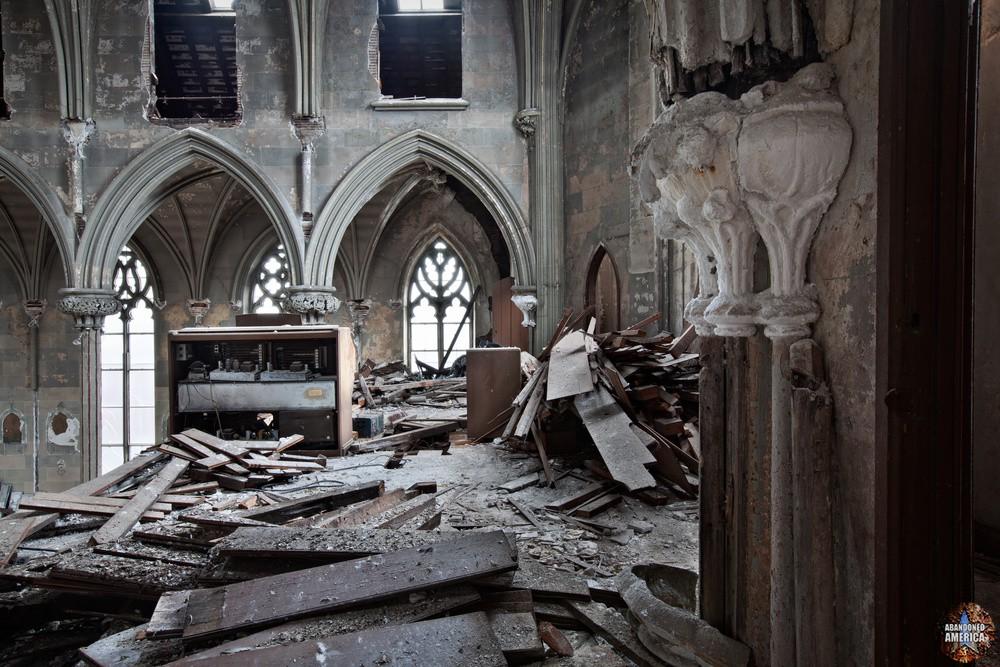 Assumption BVM Church (Philadelphia, PA) | Crumbling Balcony - Assumption of the Blessed Virgin Mary