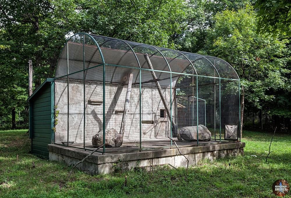 Catskill Game Farm (Catskill, NY)   Cat Cage - Catskill Game Farm