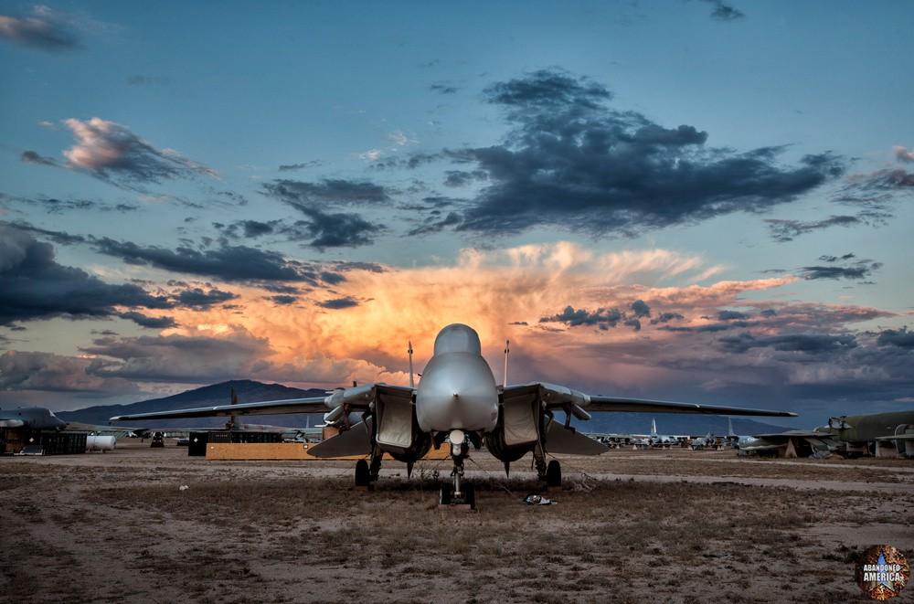 F-14 at Aerospace Reclamation and Maintenance Group, Tucson AZ - Matthew Christopher Murray's Abandoned America