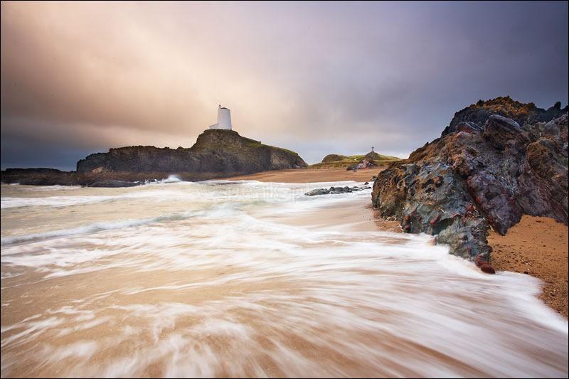 Llandwynn Lighthouse - Photographs of Wales