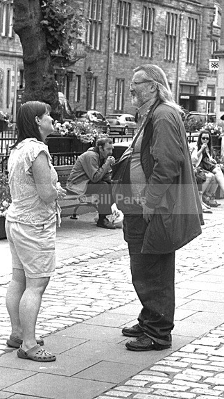 A Wee Chat - Street Photography