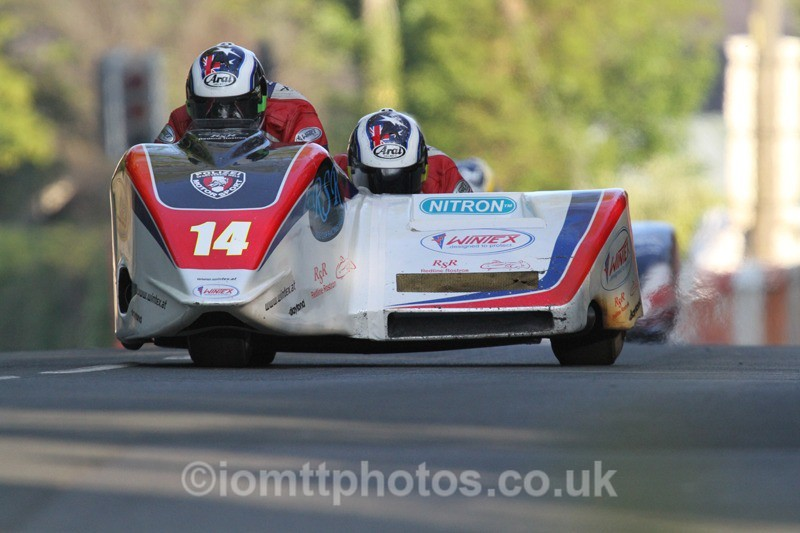 IMG_5467 - Thursday Practice - TT 2013 Side Car