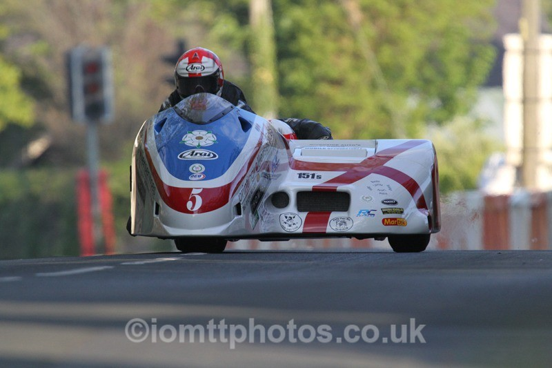 IMG_5439 - Thursday Practice - TT 2013 Side Car
