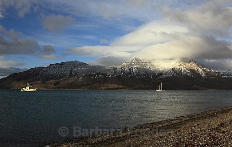 Adventfjord 4730 - Colours of Svalbard