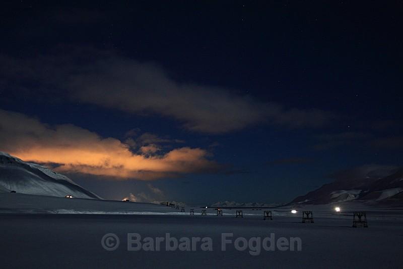 Adventdalen at full moon 5028 - Polar night