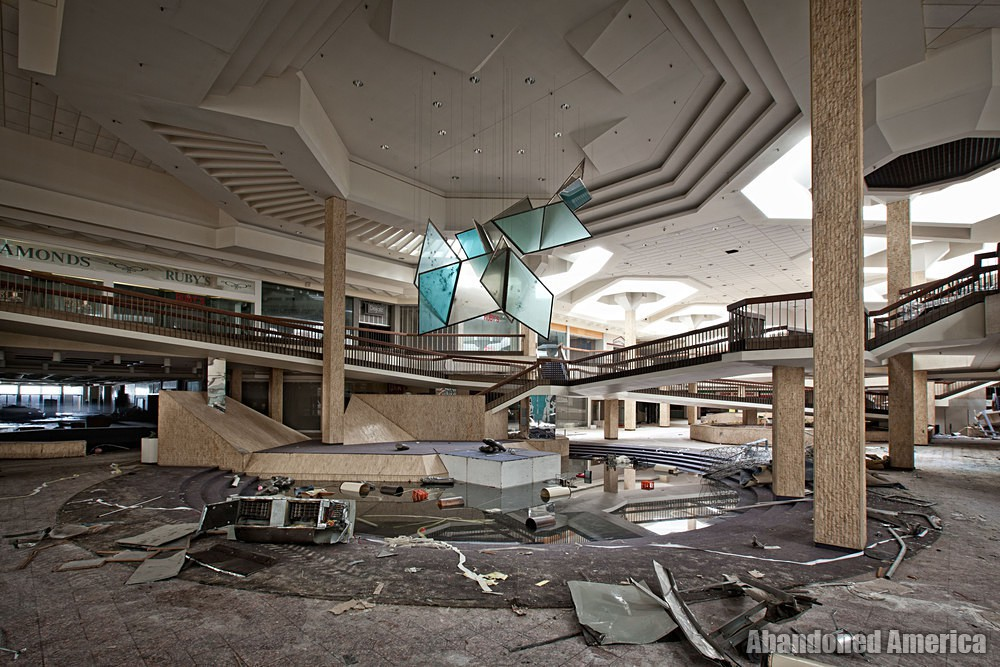 Randall Park Mall (North Randall, OH) | Bullet-Riddled Centerpiece - Randall Park Mall