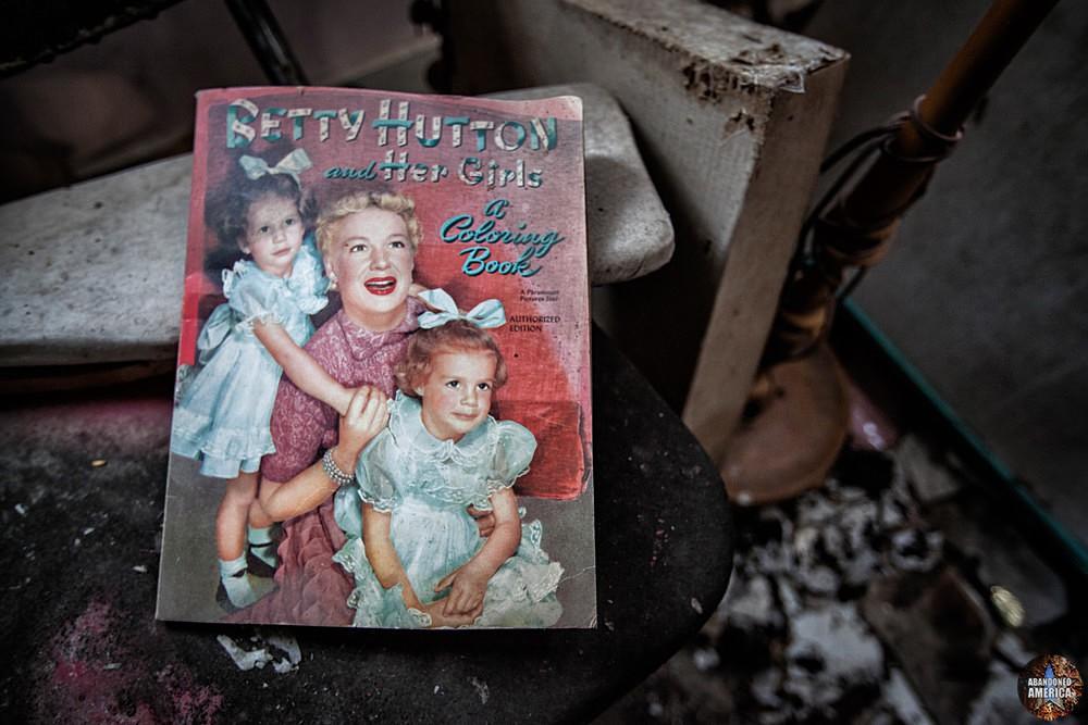 Catskill Game Farm (Catskill, NY) | Betty Hutton Coloring Book - Catskill Game Farm