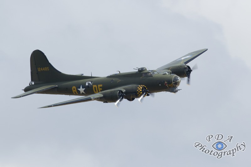 30 Flying Fortress B-17F