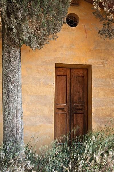 yellow chapel - Tuscany