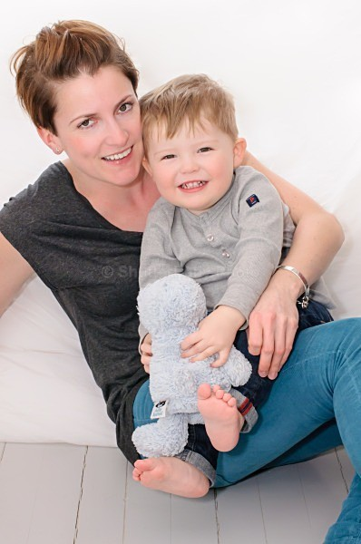 Professional Family Photographer Fulham London | mummy and child