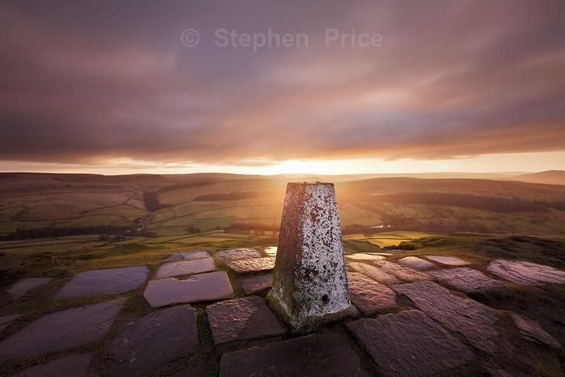 Sunrise over Shutlingsloe | Peak District Photography