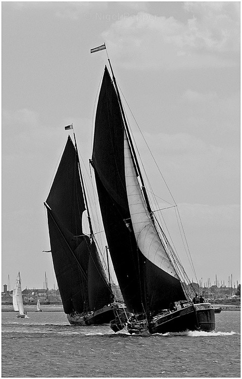 Race Within A Match - The Pin Mill Barge Match