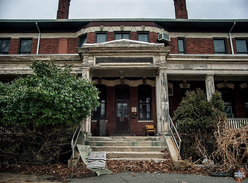 Overbrook Asylum (Cedar Grove, NJ)   Building 4 Ward 35 Entrance - The Essex County Hospital Center