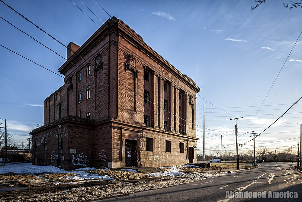 Newburgh Masonic Temple (Cleveland, OH)   Forlorn Facade - The Newburgh Masonic Temple