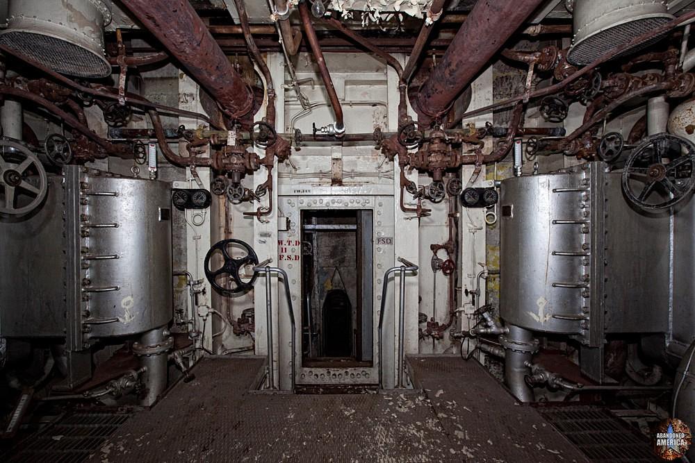 Engine Room Descent | SS United States (Philadelphia, PA) - SS United States