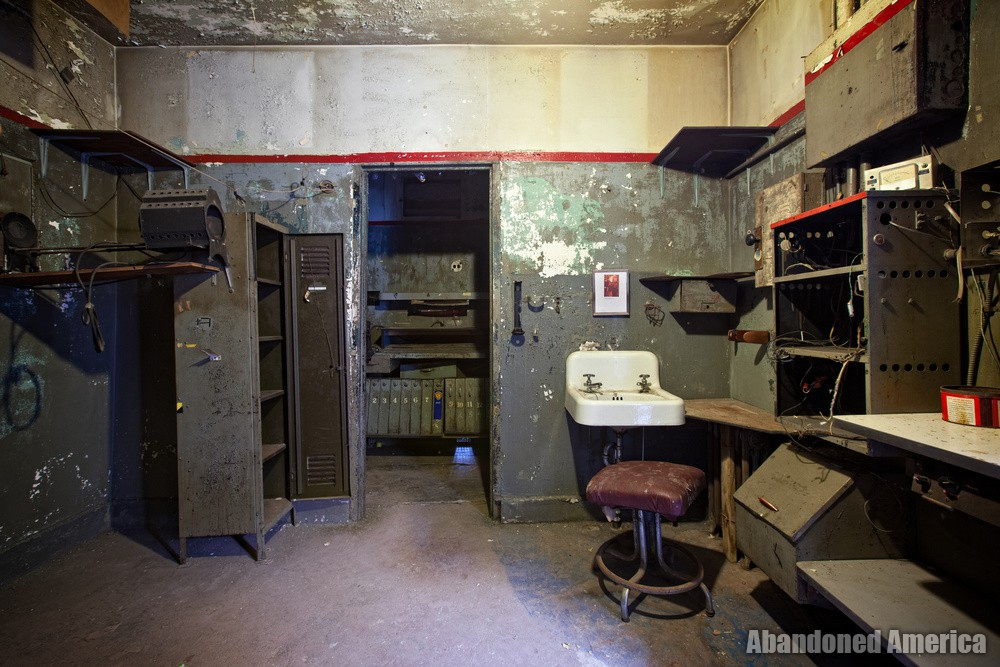 The Lansdowne Theatre | Projection Booth - The Lansdowne Theater