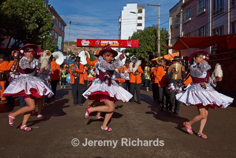 Llamerada Dance Group - Oruro Carnival 2017
