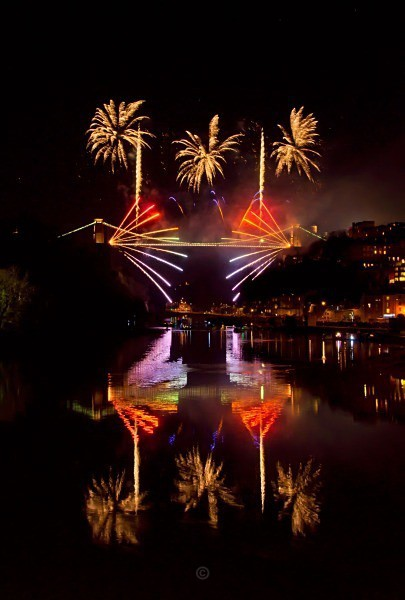 Clifton Suspension Bridge 150th Anniversary fireworks - Clifton Suspension Bridge