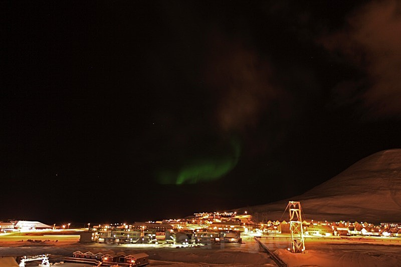 Northerlight over Longyearbyen 4998 - Polar night