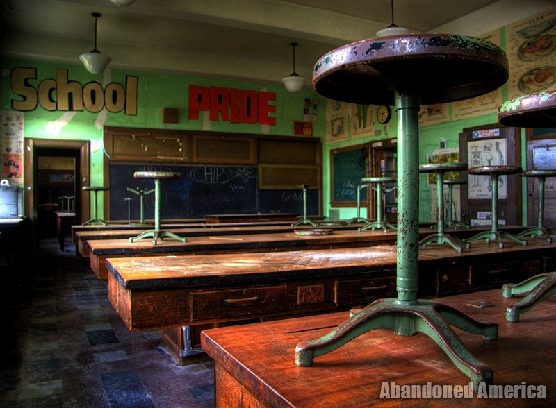 The Abandoned Macintyre Middle School*  | Abandoned America
