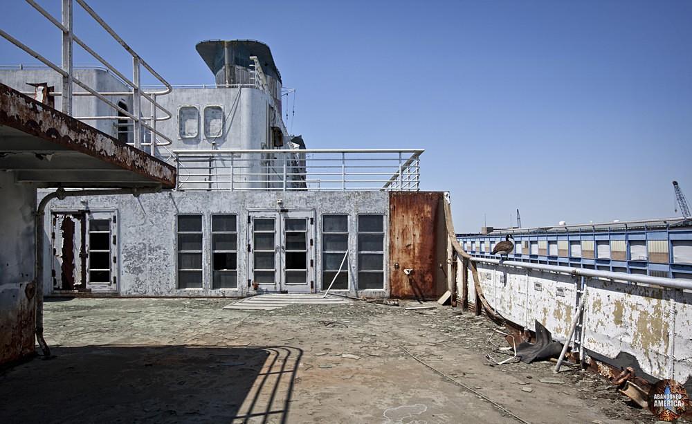 Goose on Railing | SS United States (Philadelphia, PA) - SS United States