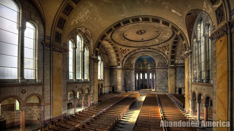 'we can all be as one': The Church of the Transfiguration (Philadelphia PA) | Abandoned America