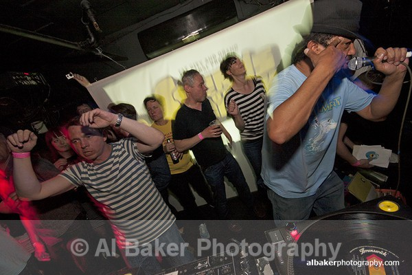 215 - Friends-&-Family @ the-roadhouse 02.05.15 (b)