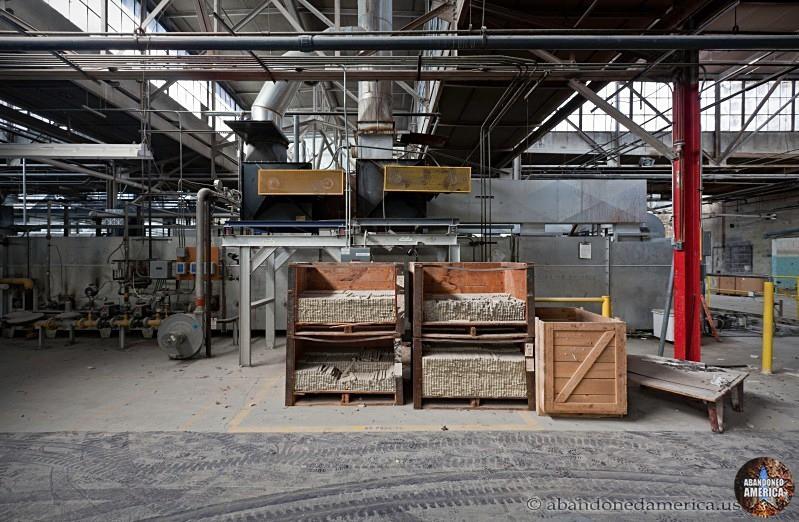 Abandoned Syracuse China plant - Matthew Christopher's Abandoned America