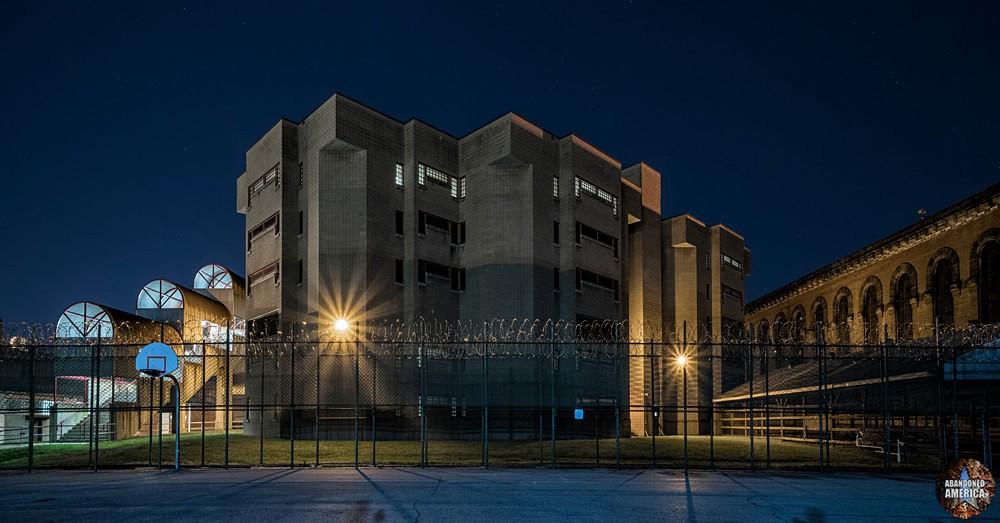- Abbott State Penitentiary*