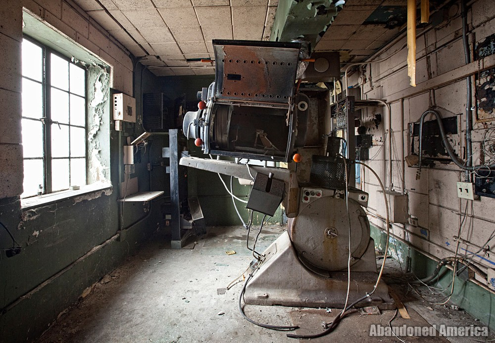 Variety Theatre (Cleveland, OH)   Projection Room - Variety Theatre