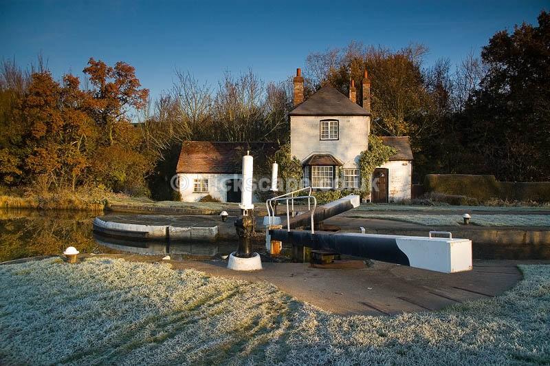 Frosty morning at Hatton Locks | Photos of Warwick Local Scenes