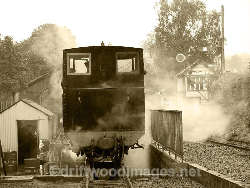 WLLR firing the Earl leaving shed for Bank Holiday - The Welshpool & Llanfair Light Railway