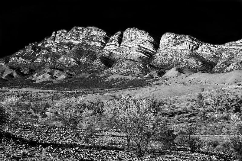 Elder Range in Mono-0612 - FLINDERS RANGES PHOTOS